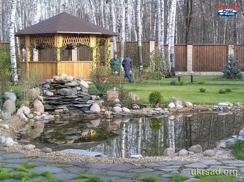 красивые бани с беседкой и прудом амбровых ароматов преобладают
